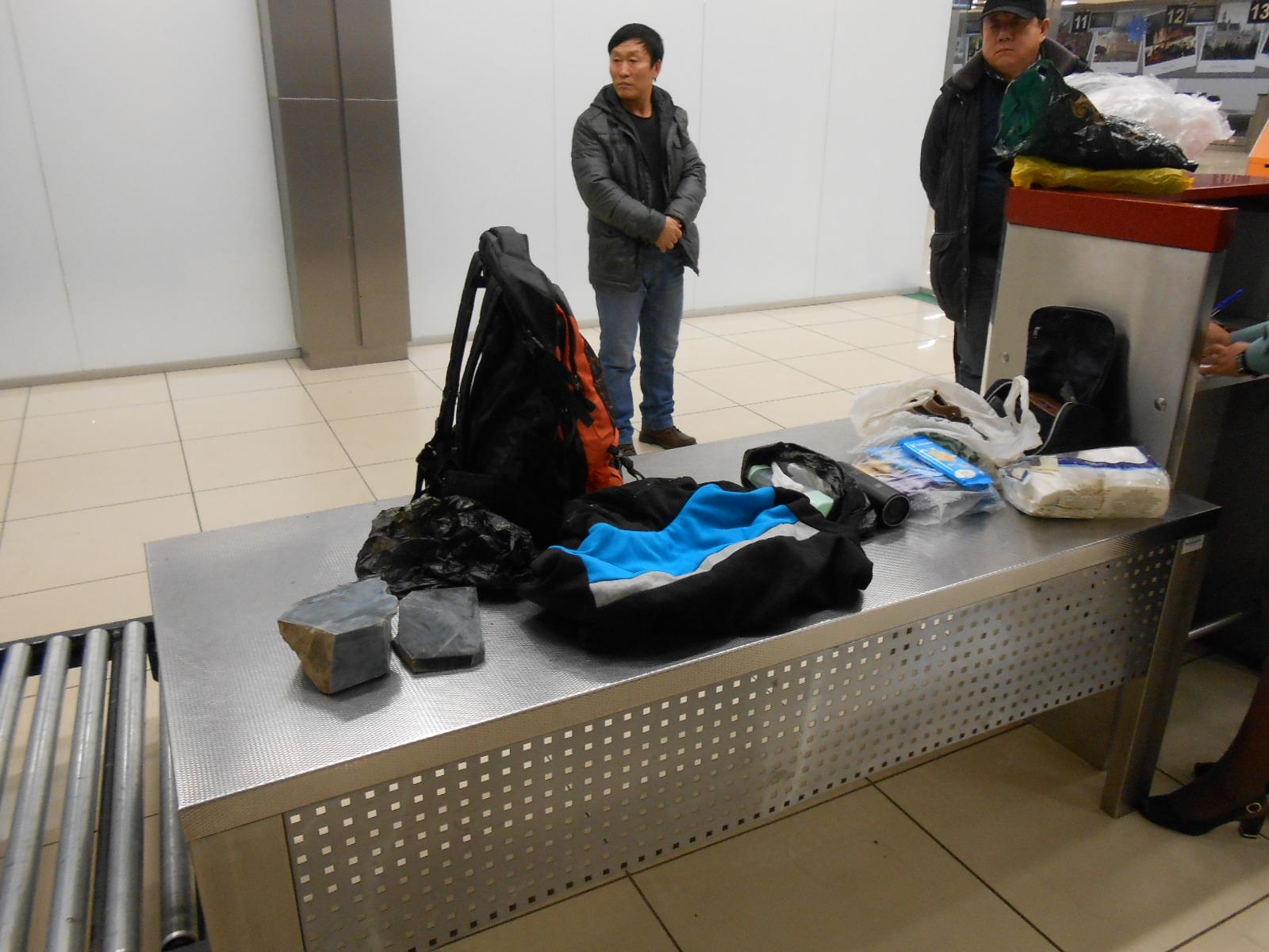 """""""Никому не верьте"""" - запомните эту заповедь перед отъездом в Китай. Фото: https://ngzt.ru/"""