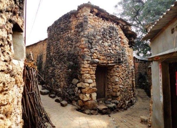 Китайская деревня, сделанная из странного материала. Фото: visiontimes.com