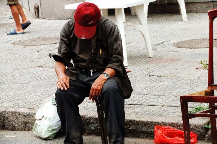 «Он пытался зайти в электронную почту со смартфона», - шутит Sborto Zhou. Фото: saporedicina.com