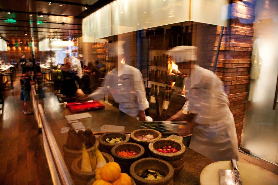 Ресторан, сделанный в Китае. Этим все сказано. Фото: accidentalepicurean.com