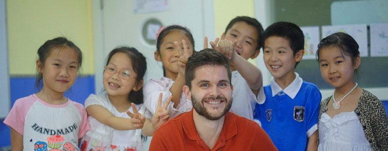 Если вы не учитель английского, найти работу в Китае вам будет найти очень сложно. Фото: goabroad.com