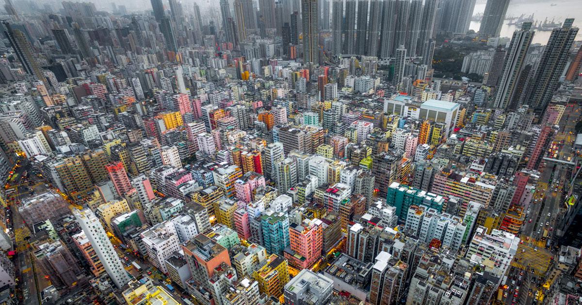 Фотограф Энди Енг использовал дрон, чтобы представить Гонконг как густонаселённые джунгли. Фото: petapixel.com