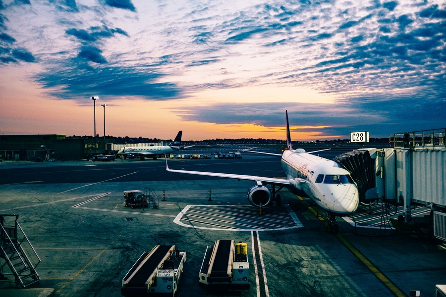 growth in airport airlines in Partner with us, you are well-placed in singapore's ideal geographical location & liberal aviation policies that is a conductive environment for growth.
