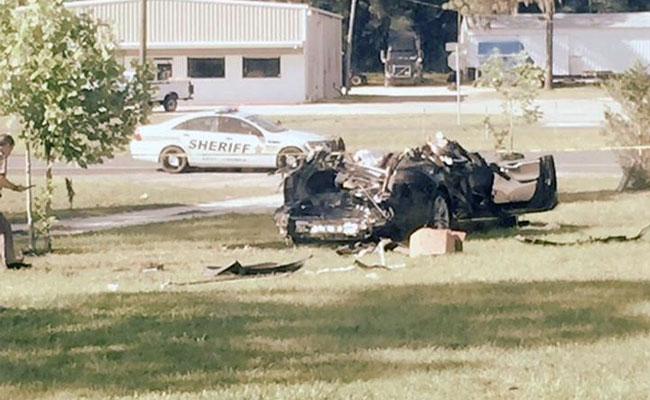 Авария Tesla. Фото с сайта www.ndtv.com