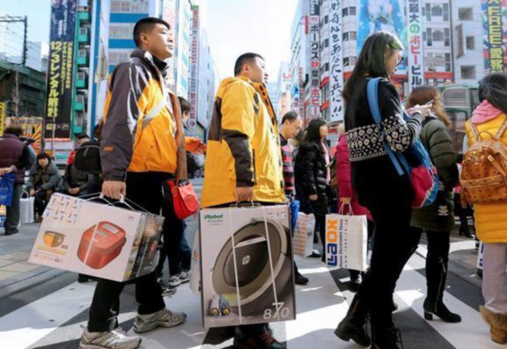Китайцы закупаются в Японии