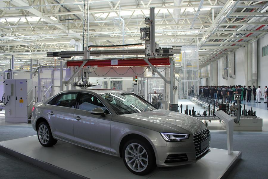В рамках открытия нового завода Ауди в китайском городе Тяньцзинь публике был показан Audi A4L, 22 августа 2016 года